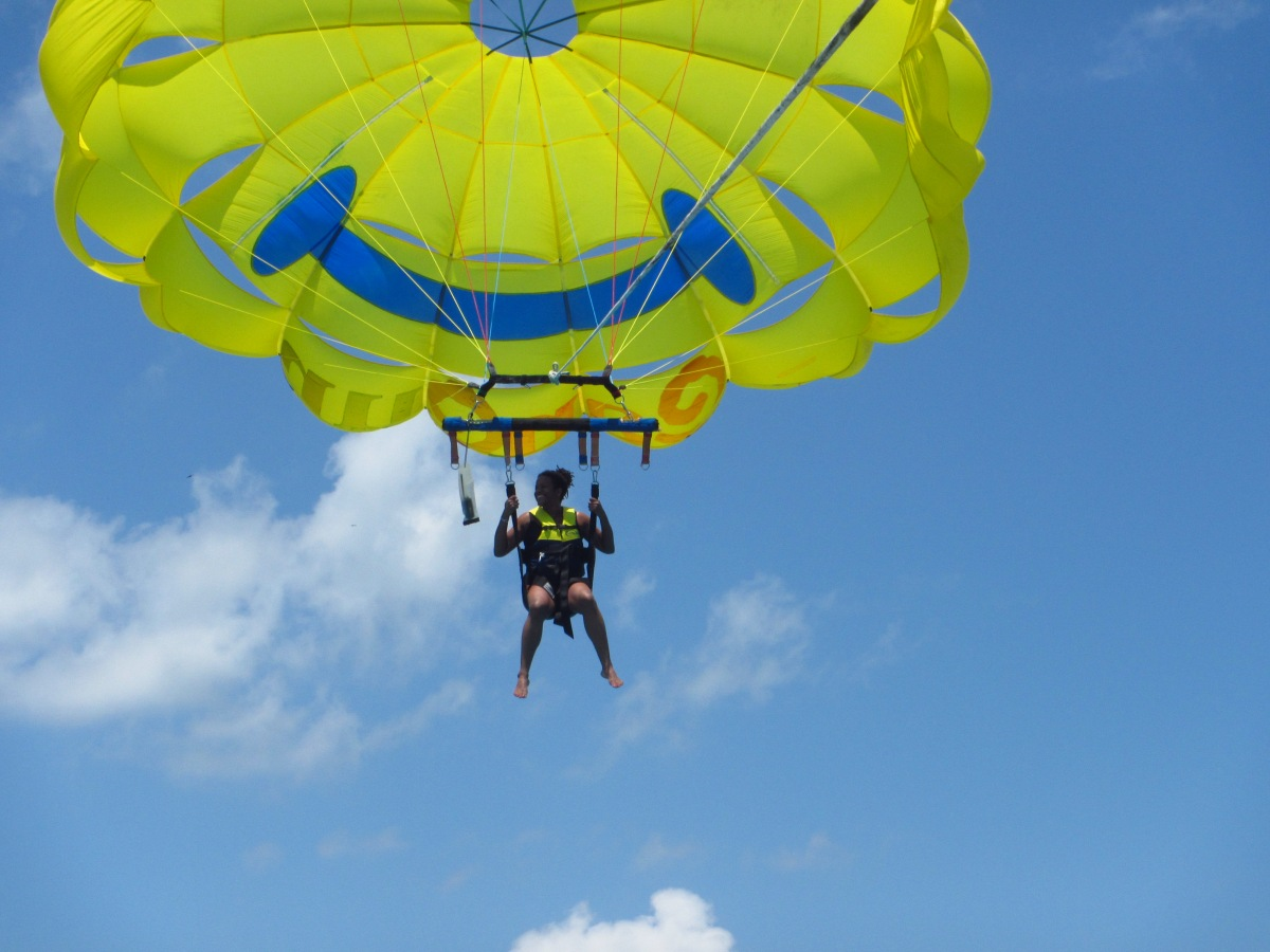 I get Emotional when I Parasail